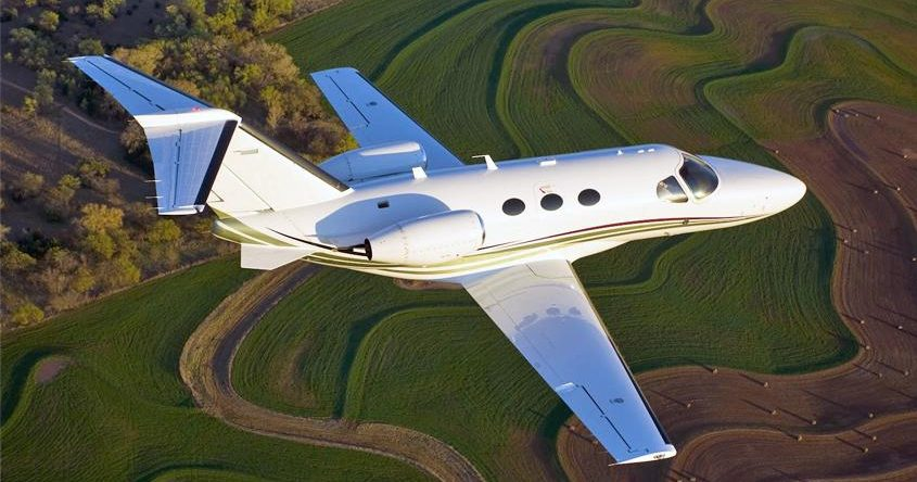cost to hire a light jet